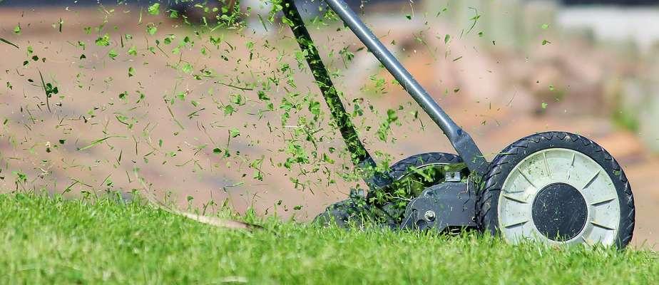 lawn-mower-938555_1920
